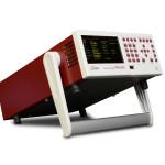 Анализатор ПРИЗМА-150 оснащен ручкой для переноски, которая также может менять угол наклона прибора